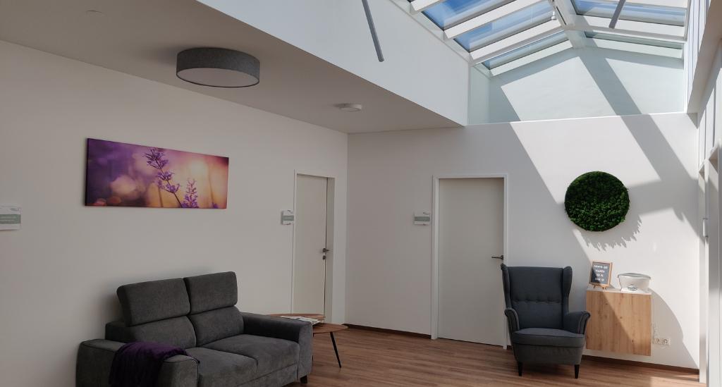 Therapiezentrum Körperschwung in Taufkirchen an der Trattnach. Gemütlich, modern, mit einem kompetenten Team mit vollausgestatteten Therapieräumen.